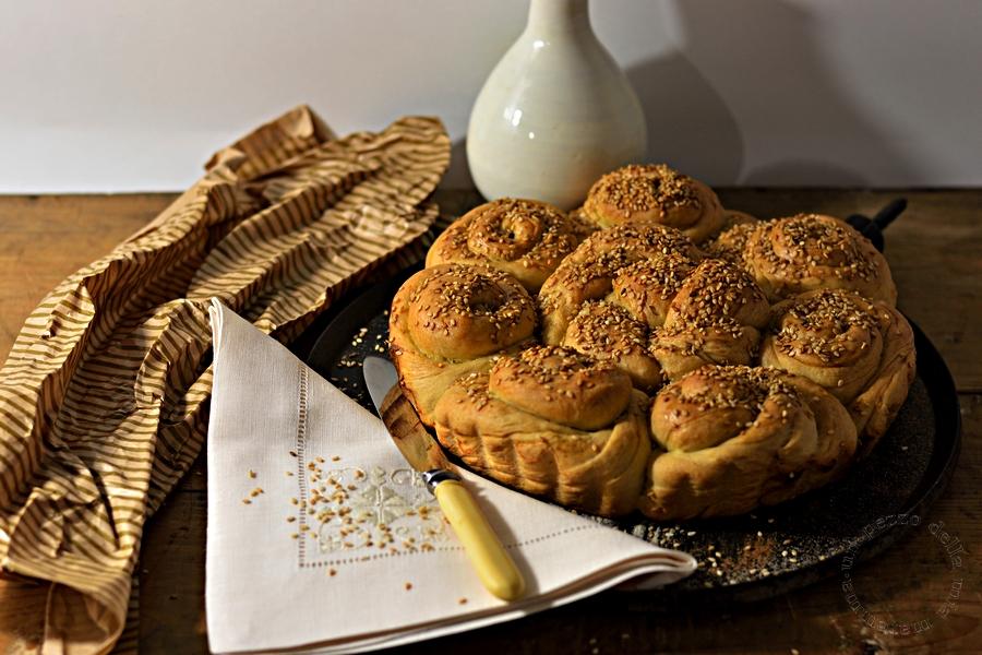 pane bulgaro al sesamo