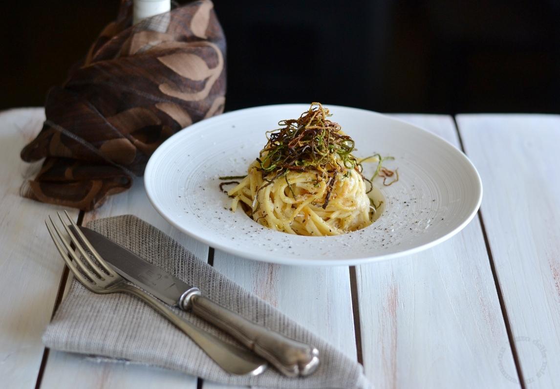 Cacio e pepe con fili di zucchine omaggio al romanesco un pezzo